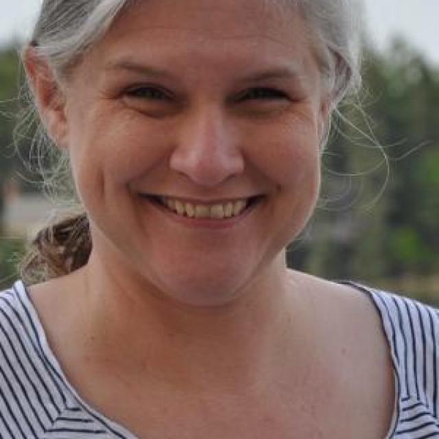 Dr Mara Keire