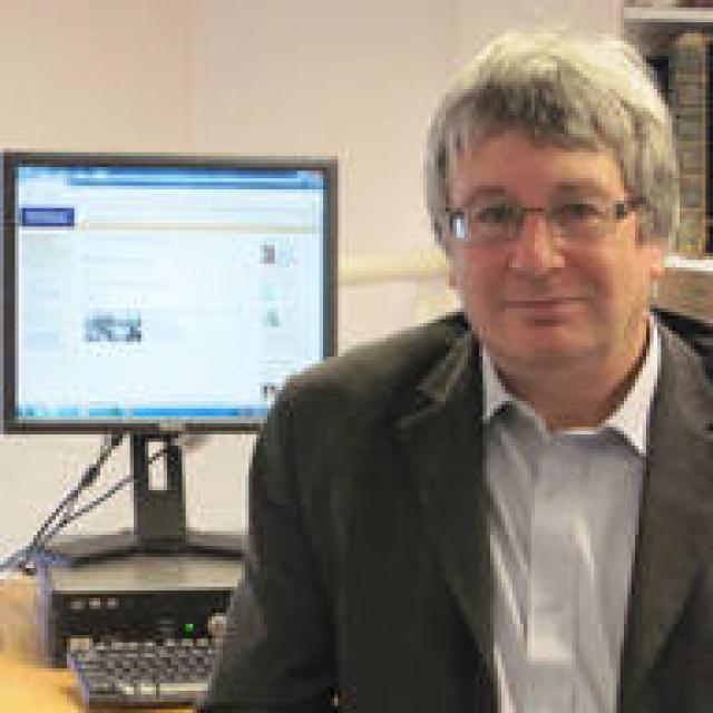 Dr Mark Curthoys