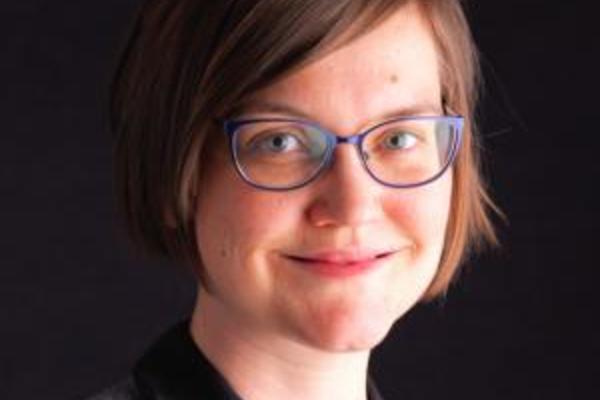 Dr Mary E Cox