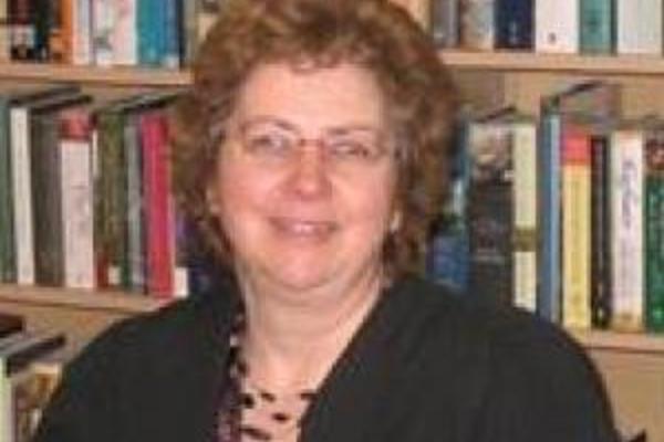 Dr Yvonne Cornish