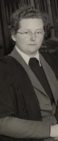 Anne Whiteman, 1953