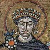From Byzantine to Ottonian empires: Venice, Ravenna and Rome, imperial associations and the construction of city identity, c. 750-1000