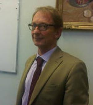 Dr Peter Thompson